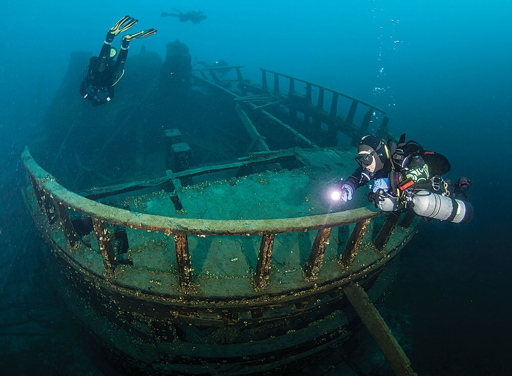 Wreck Diving In Tobermory Canada Fathom Five National Marine - How much is a fathom