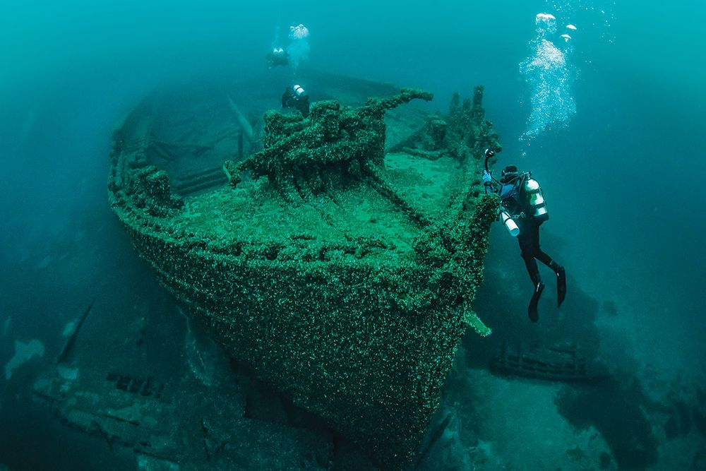 Lake huron shipwreck the sweepstakes queen
