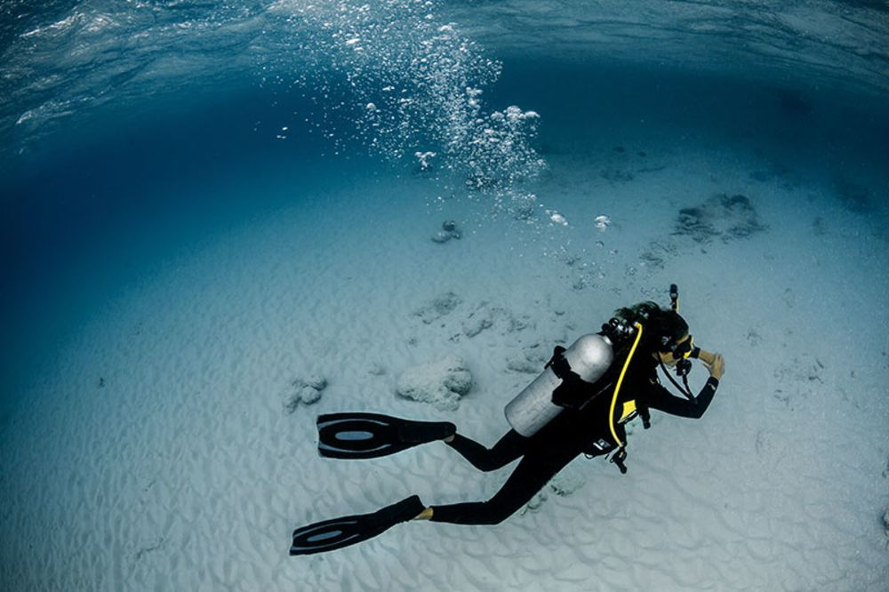 5 ways to use less weight scuba diving