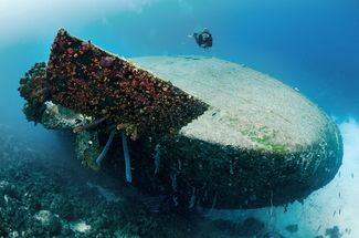 Hilma Hooker shipwreck in Bonaire underwater with diver