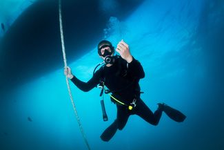 safety stop while scuba diving
