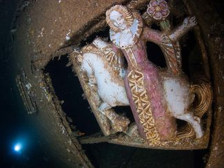 Lady and the Unicorn President Coolidge WWII wreck dive history Vanuatu