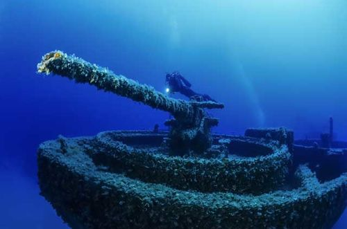 The World's Most Haunting Wrecks   Scuba Diving