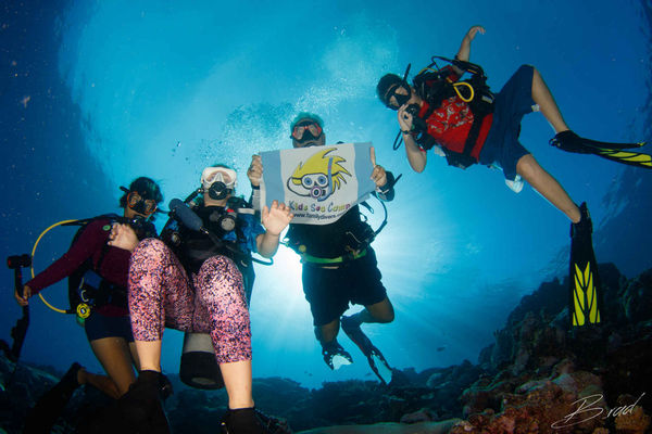 kids sea camp scuba diving family