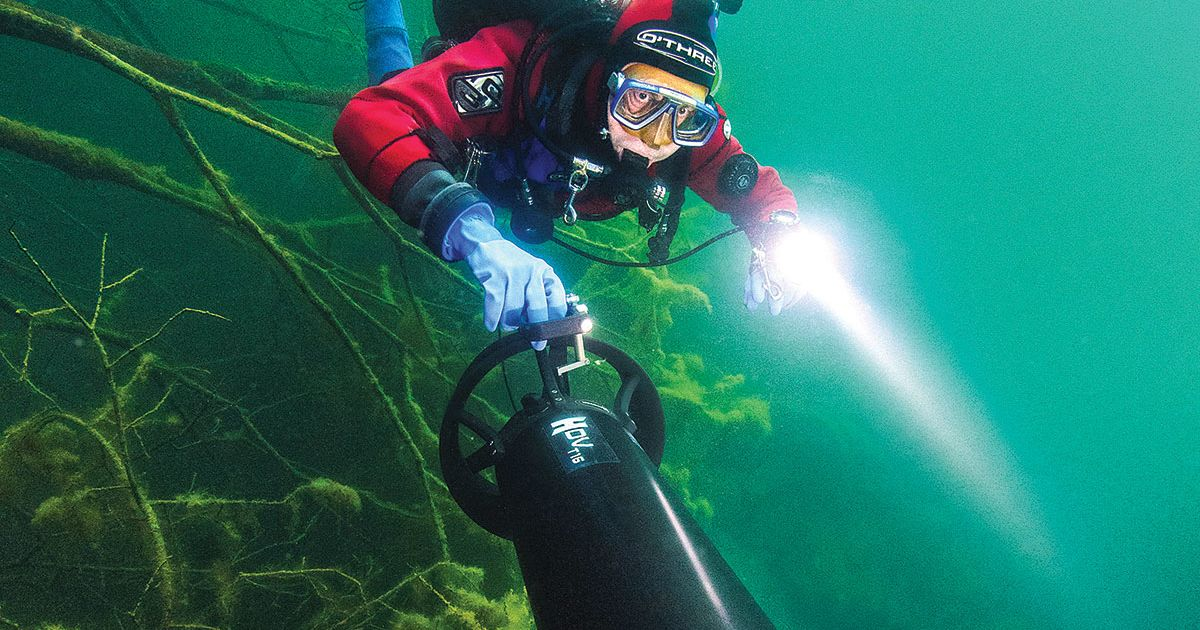 Scuba Diving With Underwater Scooters And Dpvs Scuba Diving